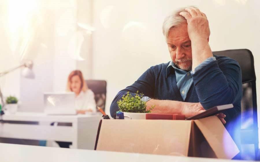 Увольнение главного бухгалтера-пенсионера